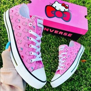 NEW 💓 HELLO KITTY x CONVERSE ALLSTAR LOWTOP